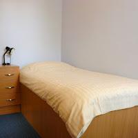 Room 42-bed