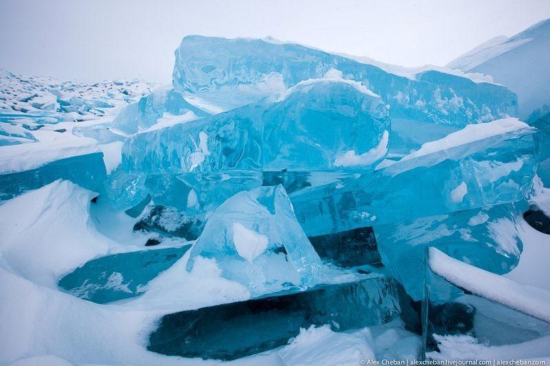 lake-baikal-ice-11