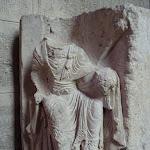Abbatiale Notre-Dame-des-Ardents et Saint-Pierre : fragment de voussoir
