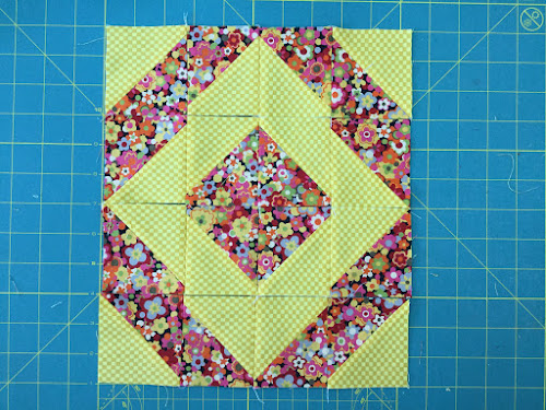 Block 16: 16 HST quilt sampler tutorial