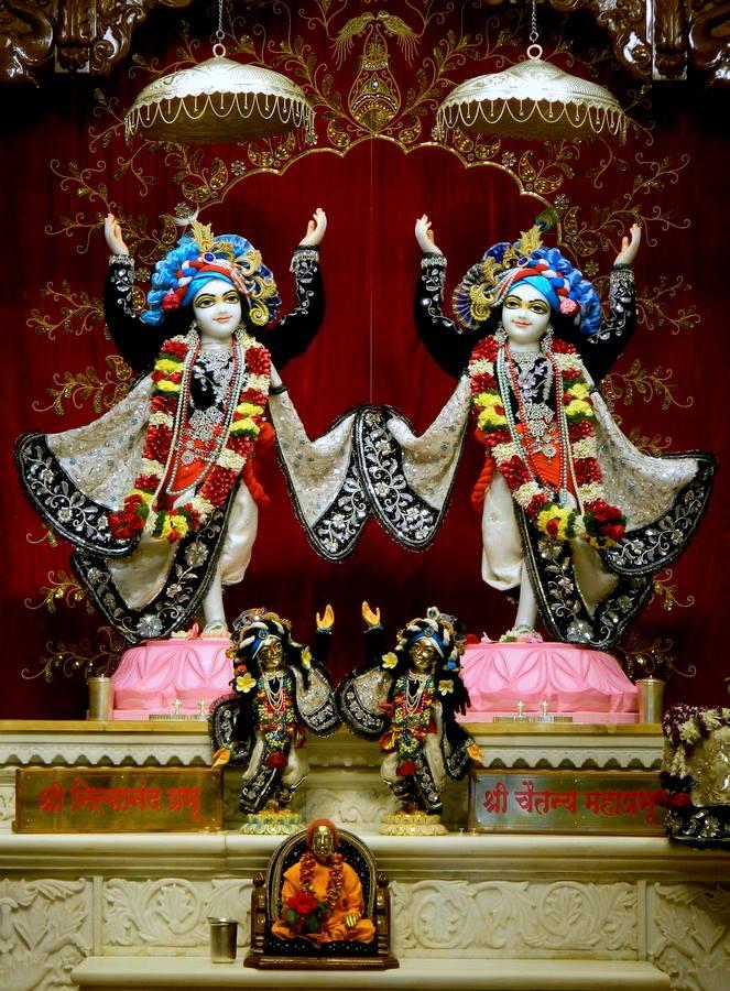 ISKCON Pune NVCC Deity Darshan 10 Jan 2017 (5)