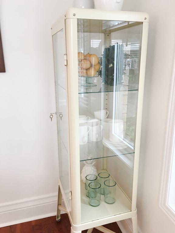 [kitchen+makeover+corner+cabinet+2%5B4%5D]