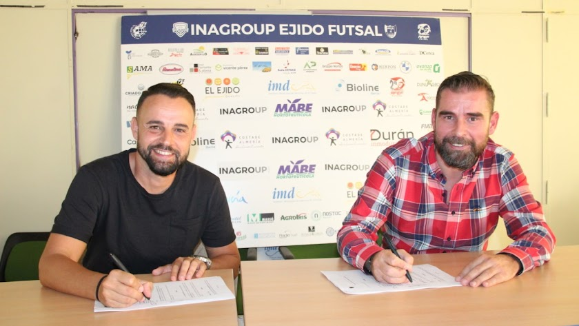 El nuevo entrenador celeste con Miguel Brugarolas.