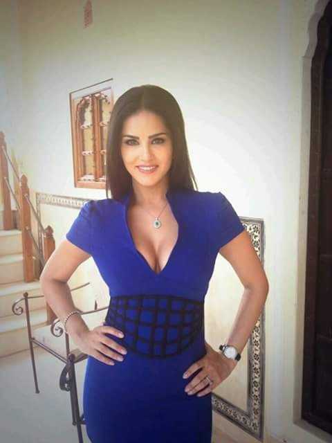 Sunny Leone Sweet Smile Pictures