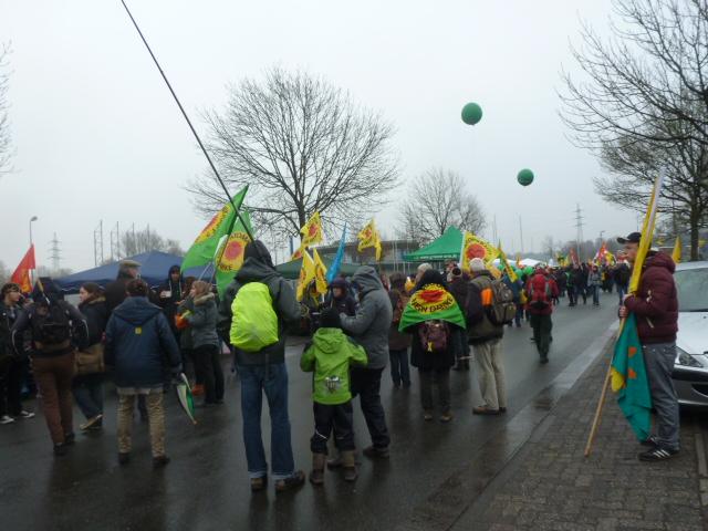 een koude regenachtige dag voor de actievoerders