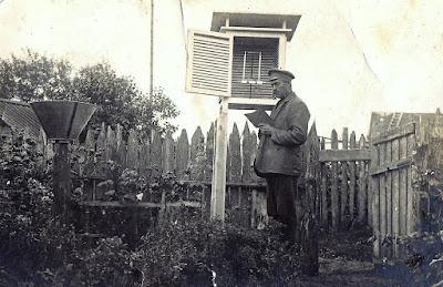 Августин Жейбе ведет метеонаблюдения(из личного архива Татьяны Жейбе)