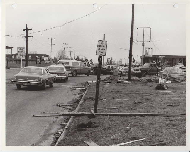 1976 Tornado photos collection - 79.tif