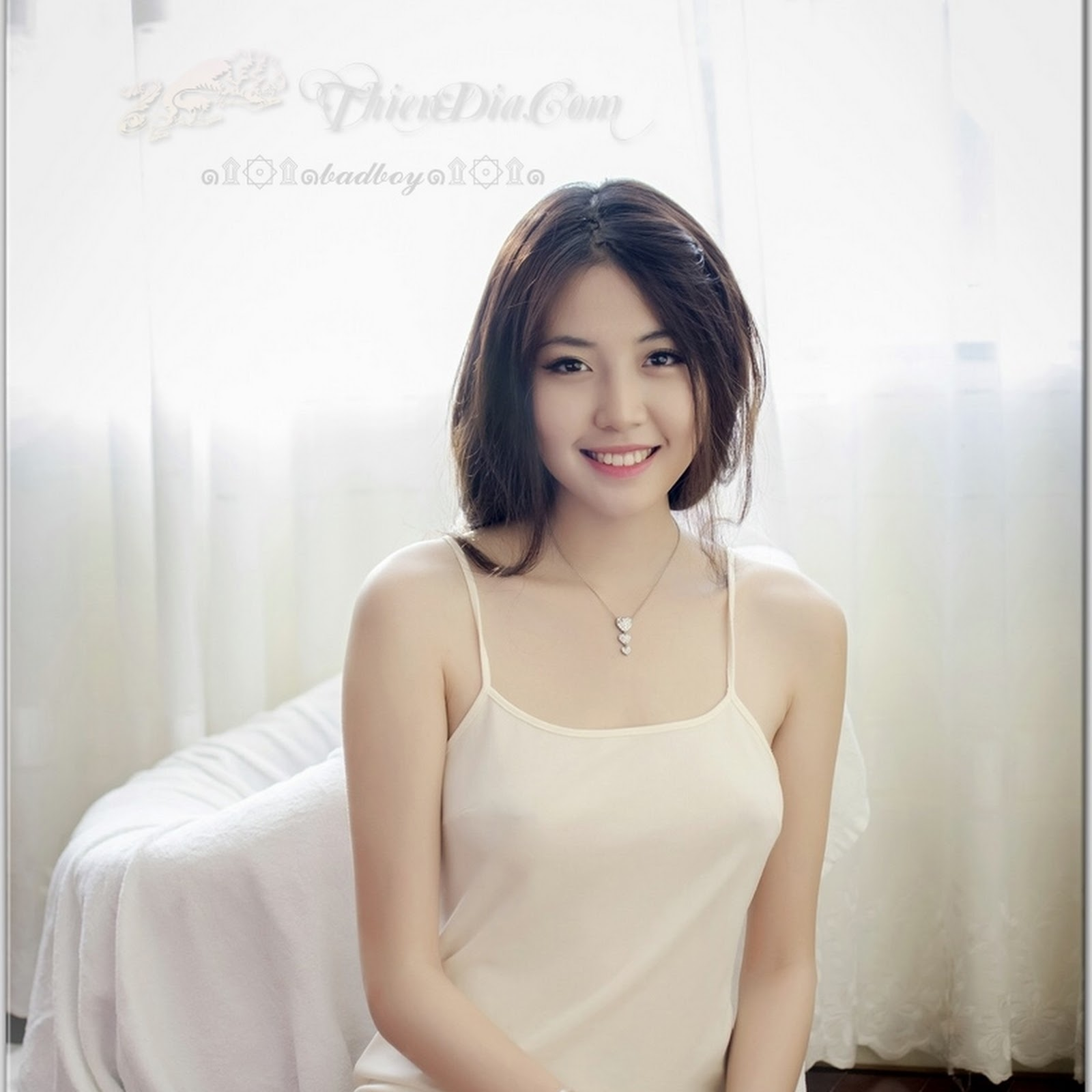 Hot girl Thiên Hương đẹp ma mị
