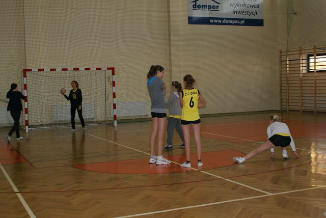 Piłka ręczna zowody listopad 2011 - DSC03647_1.JPG