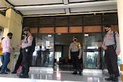 Polres Soppeng Bersama Brimob Den C Bone Polda Sulsel Pengamanan Pelantikan Bupati dan Wakil Bupati Soppeng Periode 2021 - 2026