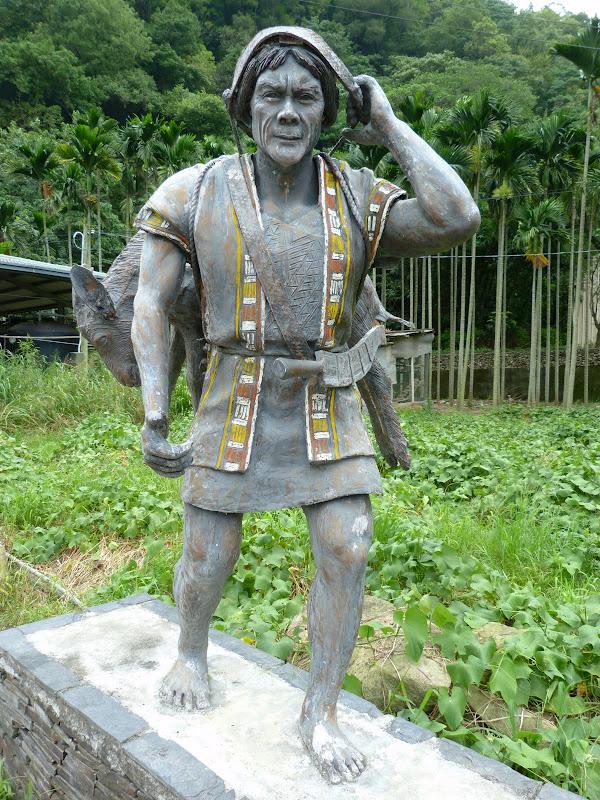 Puli  en passant , entre autres, par les villages de l ethnie Bunum de Loloko et Dili. J 10 - P1160965.JPG