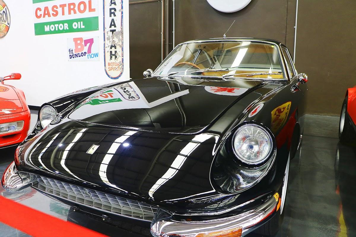 1967 Ferrari GT 2+2 (02).jpg