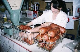 Photo: 03096 ウランバートル/風景/ダライ・エージ(海の母)/食料品専門の市場/ソーセージ