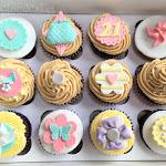 Pretty cupcakes 1.JPG