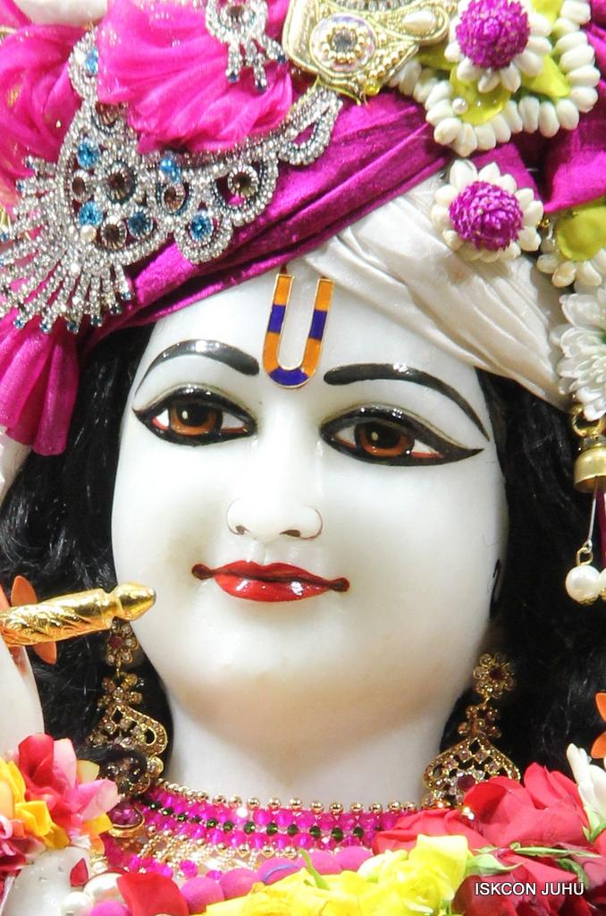 ISKCON Juhu Sringar Deity Darshan on 11th Sep 2016 (28)