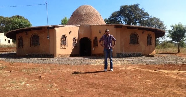 Superadobe con hombres de maiz taller de construcci n de casas ecol gicas con superadobe e - Construccion de casas ecologicas ...