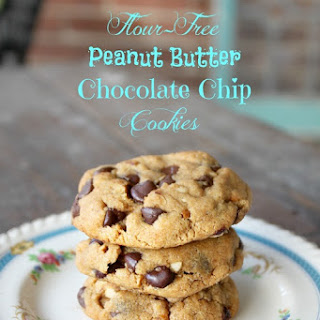Flour Free Peanut Butter Chocolate Chip Cookies