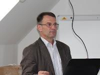 02 Molnár László, a Human International vezetője értékeli az elmúlt tíz évet.JPG
