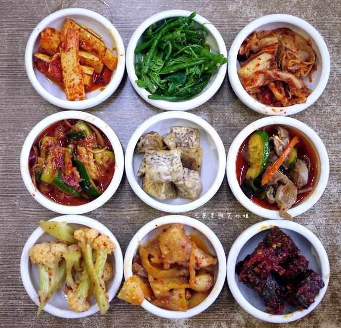5 朝鮮味小菜吃到飽