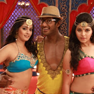 Madha Gaja Raja Movie Stills