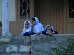 These kids came to greet us while we were leaving Jutal.