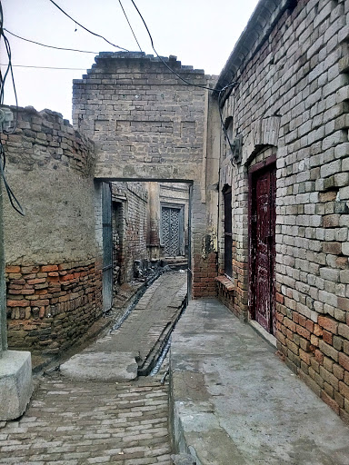 An old street in the historical town of Malka Hans, near Pakpattan, Punjab, Pakistan
