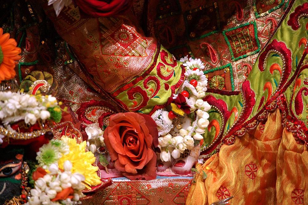 ISKCON London Deity Darshan 19 Dec 2015 (6)