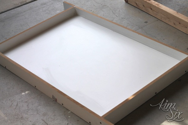 Melamine mold for coffee table concrete top