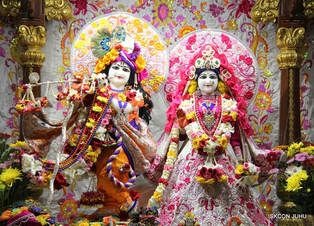 ISKCON Juhu Sringar Deity Darshan on 11th Aug 2016 (4)