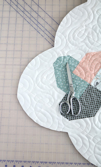 I've always wanted to make a scalloped edge on a quilt - love this tutorial by A Bright Corner - she shows how to do it!