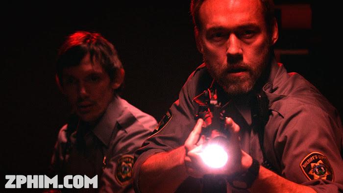 Ảnh trong phim Ác Nhân Trong Rừng - Dark Was the Night 1
