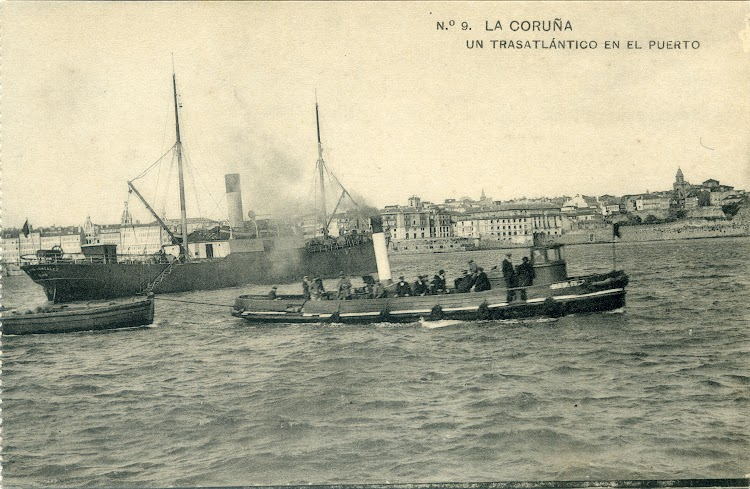 Vapor MELITON GONZALEZ y tender desconocido en el puerto de A Coruña. Ca. 1910. Postal.jpg