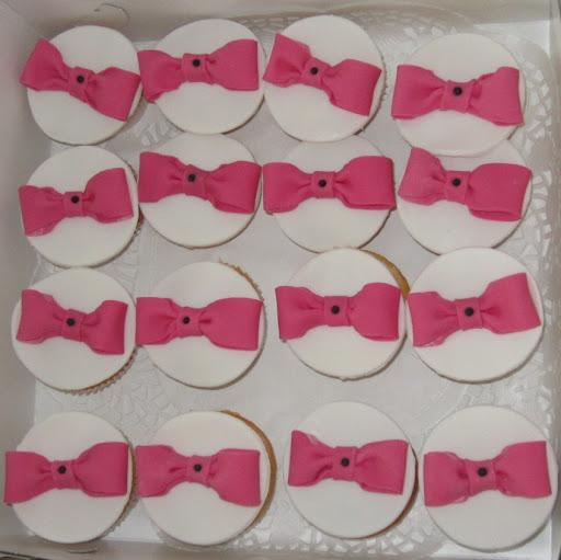 Strikjes cupcakes.JPG