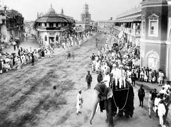 Hyderabad - Rare Pictures - Nizam%2527s%2Bprocession%2Bin%2BOld%2BHyderabad%252C%2Btaken%2Bin%2B1880s.jpg