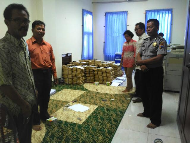 Polisi Jaga Soal Ujian Perangkat Desa di Unwidha