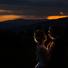 Wedding photographer Marek Kielbusiewicz (MarekKielbusiew). Photo of 02.03.2018