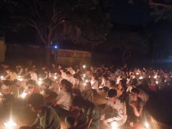 Học sinh và sinh viên xứ Bạch Liên - Quảng Nạp -  Hải Nạp cầu nguyện cho năm học mới