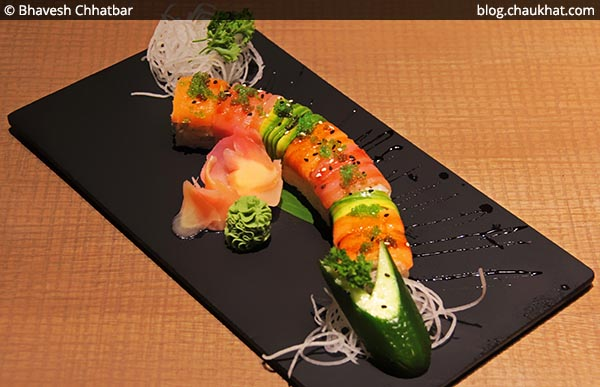 Rainbow Maki Sushi at Shizusan (The Asian Bistro) in Phoenix Market City at Viman Nagar area of Pune