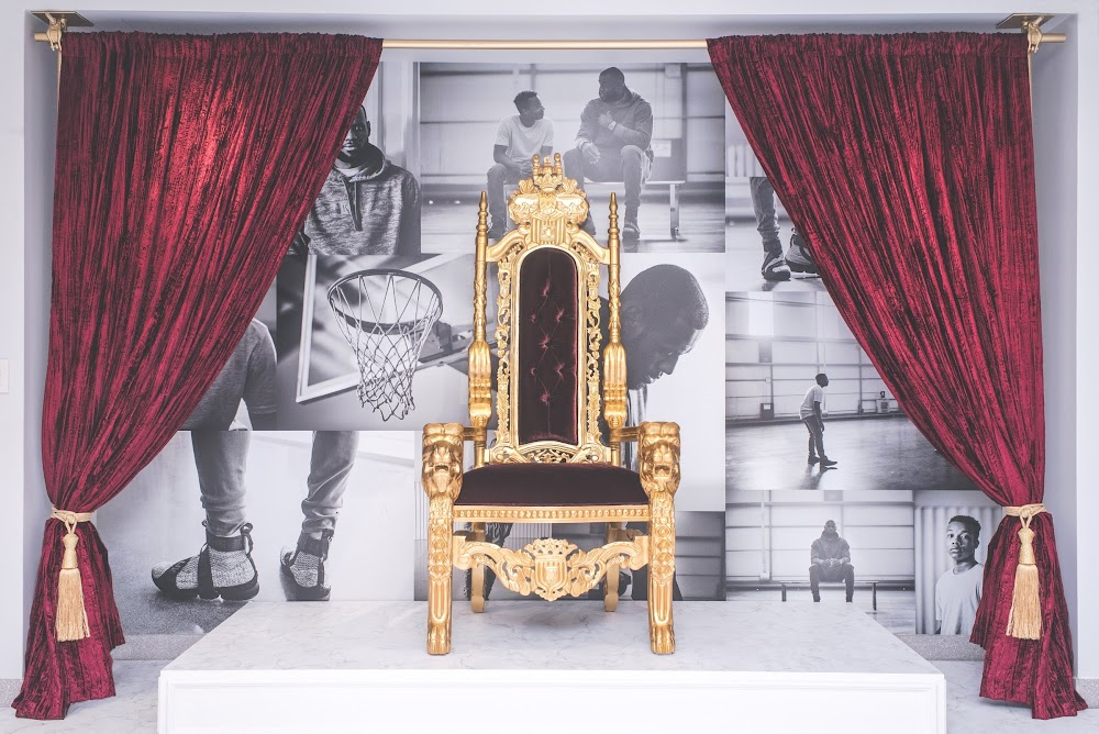 971b398c2d3ee Kith X Nike  Long Live the King  Setup in Soho for LeBron 15 Launch ...