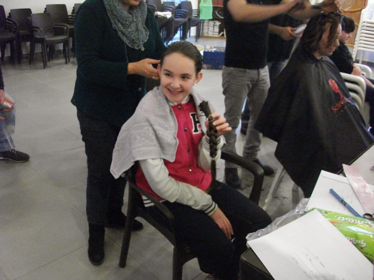 Donating hair for cancer patients 2014  - 1980109_539677022815262_1301711968_o.jpg