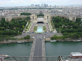 The Palais de Chaillot from the second level with La Defense in the distance
