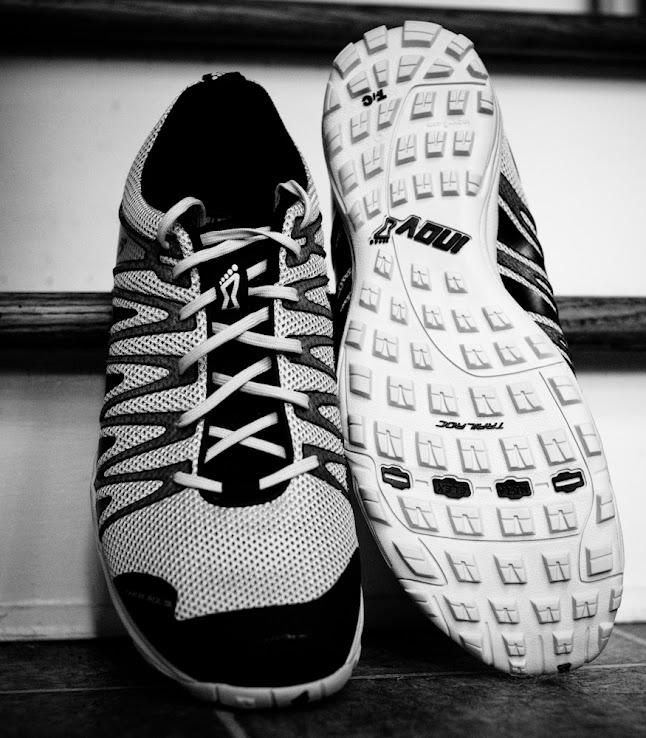 Inov-8 Trailroc 235 top and bottom view in black and white