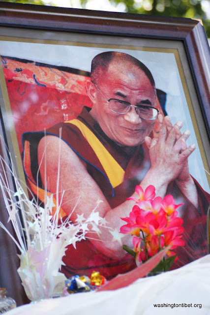 H.H. the 14th Dalai Lamas 77th Birthday Celebration at Carkeek Park - 31-ccP7070176%2BHHDL%2BPicnic72.jpg