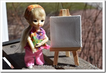 tn_2017-04-01 Wren and her Canvases (1)
