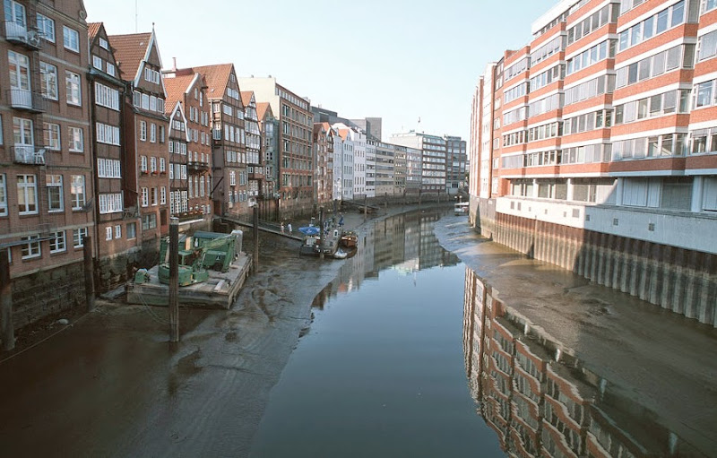 8. Hamburg Canals - 2. Low tide.