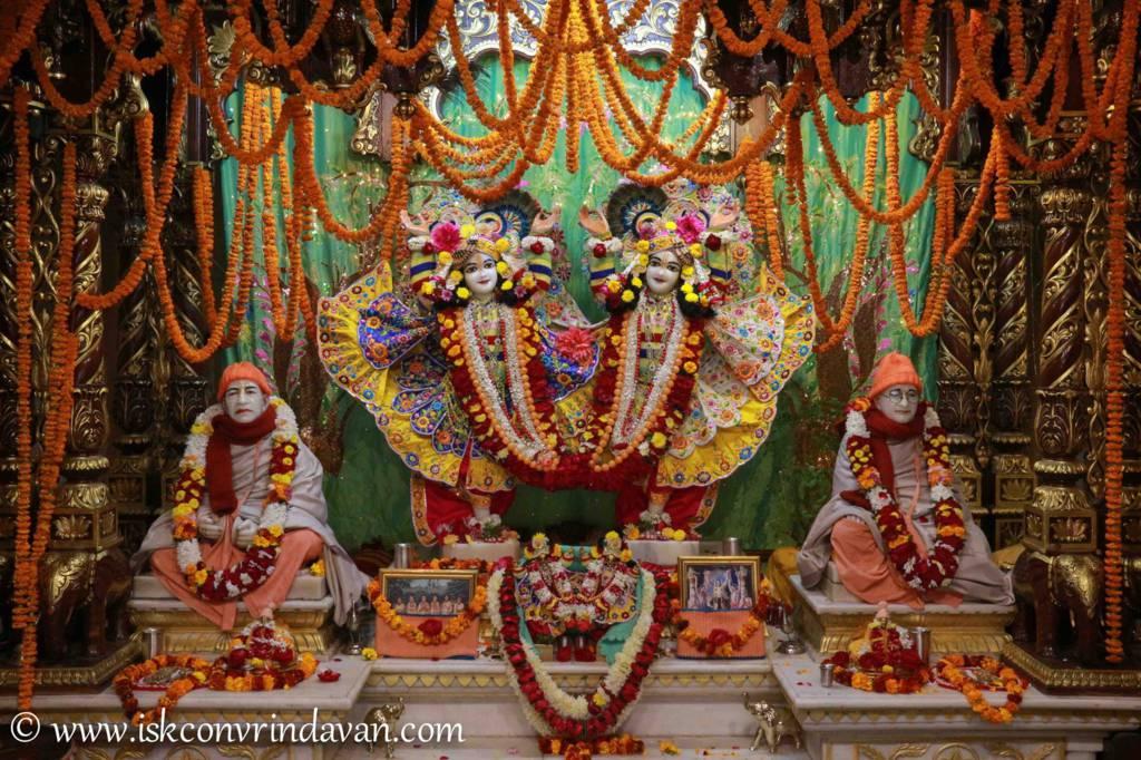 ISKCON Vrindavan Sringar Deity Darshan 20 Dec 2015 (3)