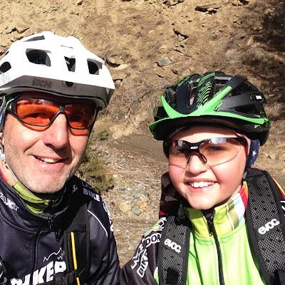 Mit Patenkind Josef am Monte Sole  (bikehotels trailbiker)