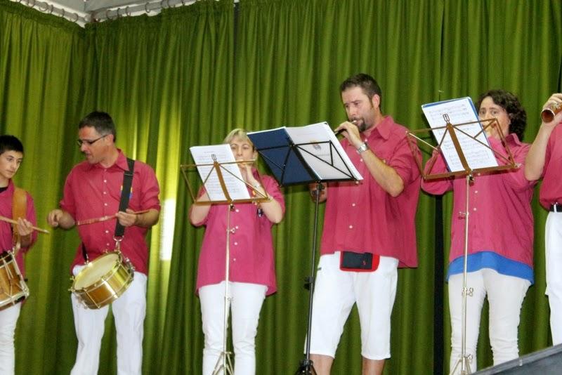 Audició Escola de Gralles i Tabals dels Castellers de Lleida a Alfés  22-06-14 - IMG_2364.JPG