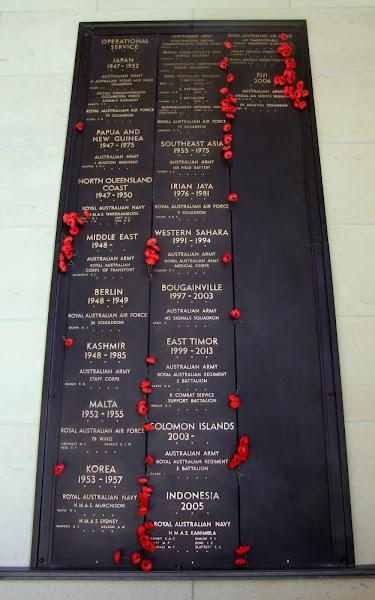 war memorial panels