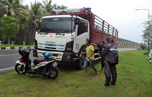 Sopir Truck, Profesi Mulia Yang Terlupakan